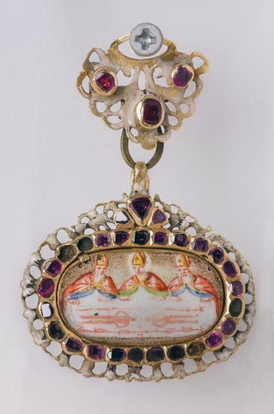 TORINO. Museo della Sindone, pendente con la Sindone, XVI secolo.