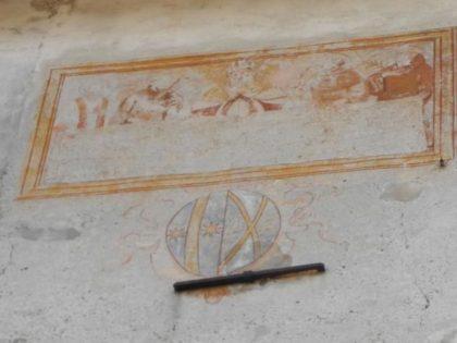 VILLAR DORA (To). Castello con affresco della Sacra Sindone.